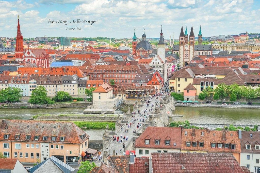 德國、烏茲堡 | 橫跨美茵河的浪漫石橋「舊美茵橋 Alte Mainbruecke ( 十二聖人橋 )」| Plus 舊城區的清晨散步攝影 @偽日本人May.食遊玩樂