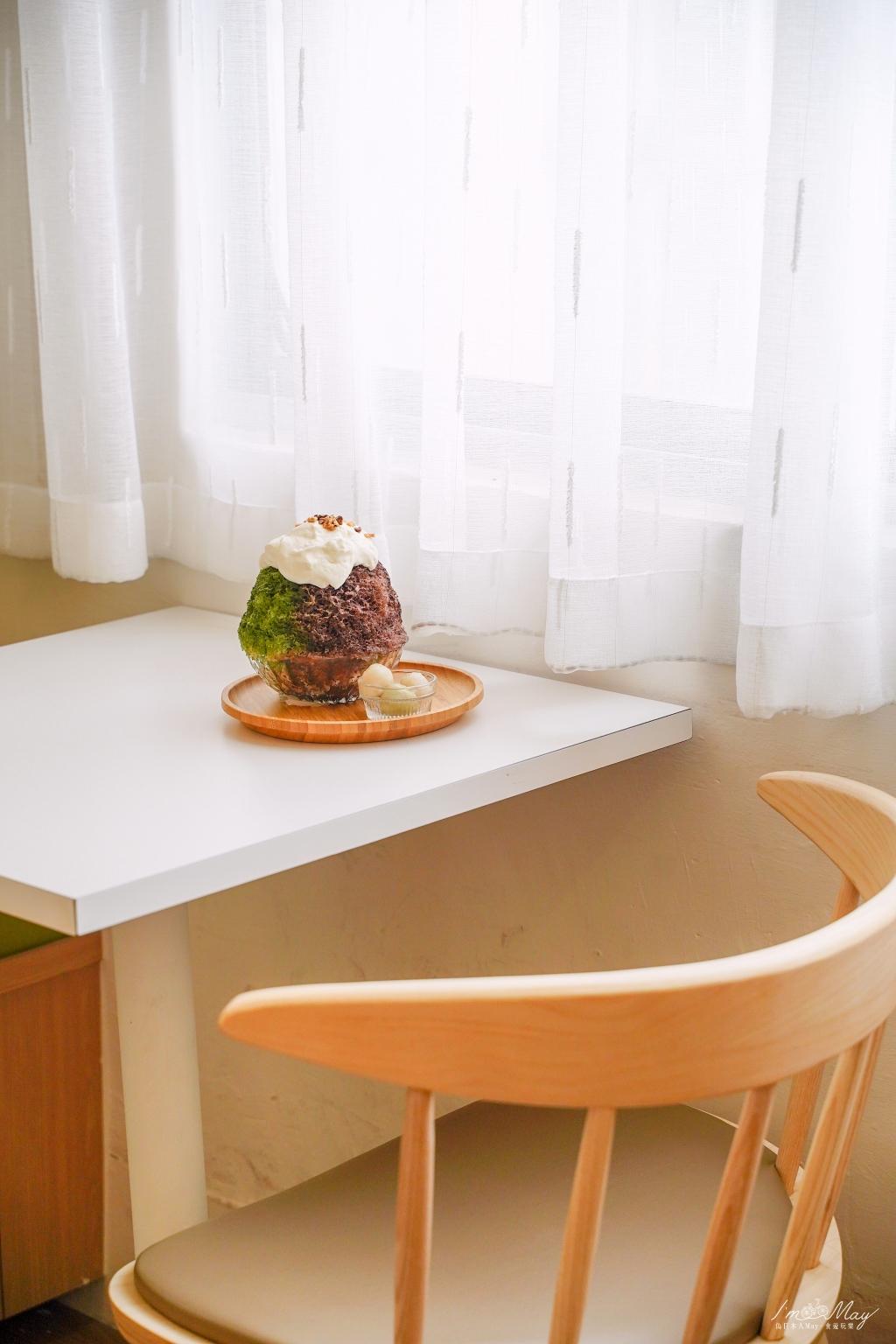 高雄、甜點 | 漫溢著日系文青風氛圍、細緻口感千層蛋糕與療癒系創意冰品的相遇「先生sensei 手作千層Ft.冰屋博愛店」| 先生sensei博愛店、高雄捷運後驛站、高雄美食 @偽日本人May.食遊玩樂