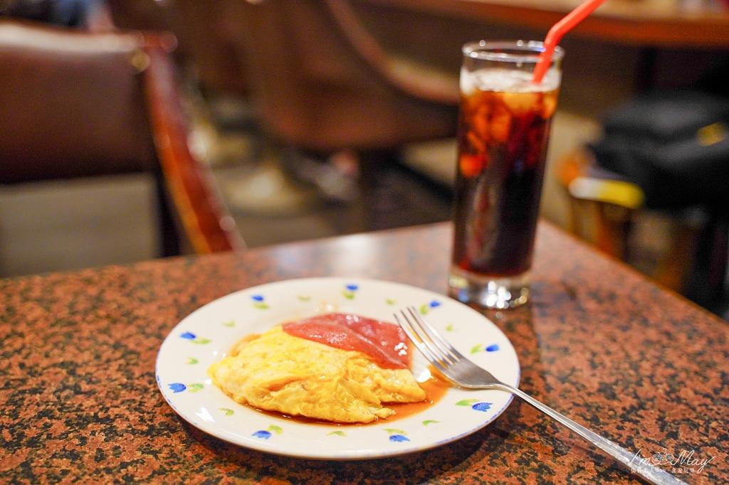 高雄、咖啡 | 走進歲月滯留的空間、彷彿穿越時光回到八零年代,在「小堤咖啡」裡細細品味人生 | 點咖啡送早餐、鹽埕最老咖啡店、虹吸式咖啡 @偽日本人May.食遊玩樂