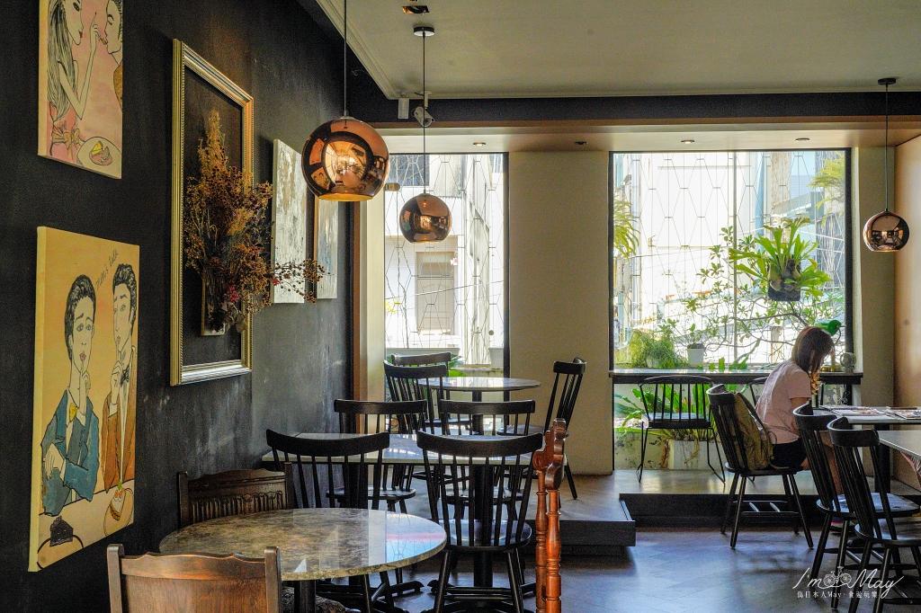 台中、西區 | 好拍也好吃的網美打卡熱門店、老宅改建而成的玻璃屋咖啡店「 發酵 Fermento 」| 每日限量法式甜點、意外的鹹食真的好吃極了 !! @偽日本人May.食遊玩樂