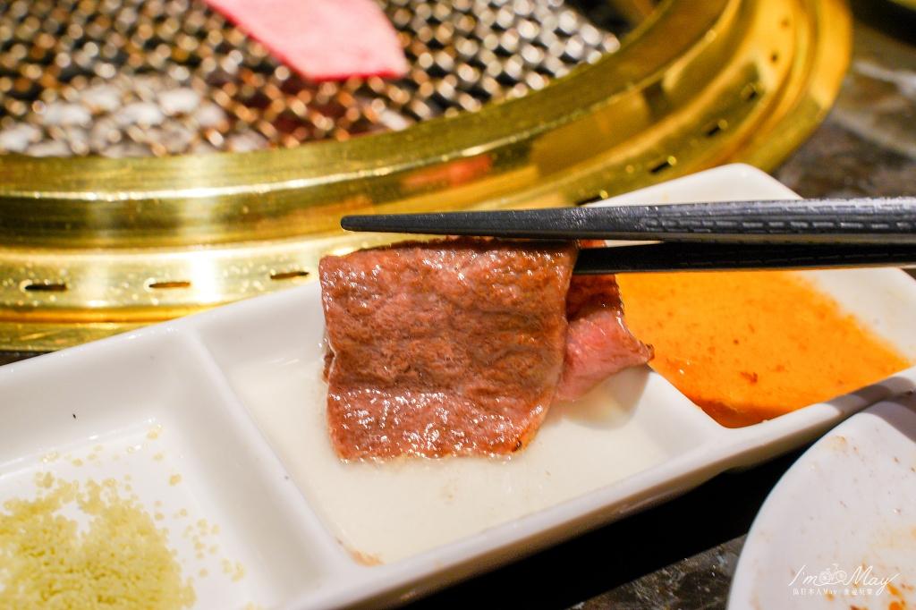 台中、北屯 | 終於吃到傳說中超難預約、一位難求的台中燒肉霸主「屋馬燒肉Umai」(崇德店) | 超讚服務與頂級品質的美食嚮宴,有證書的日本和牛、頂級雪花牛、三人套餐好滿足 @偽日本人May.食遊玩樂