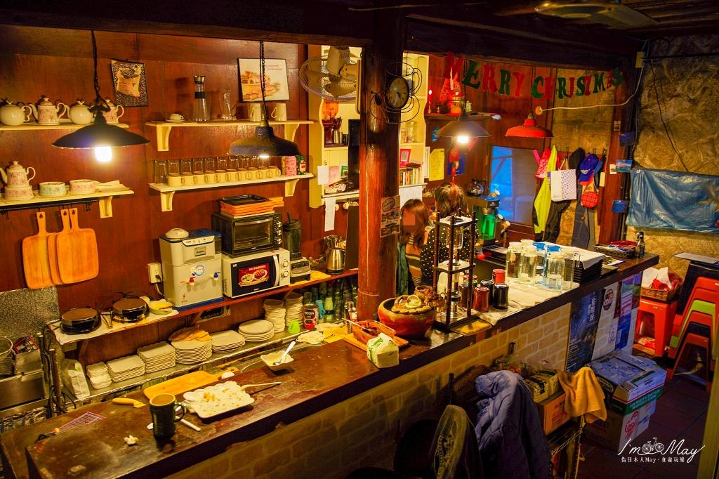 馬祖、北竿 | 坐擁絕美海景、品味令人驚豔的焦糖鬆餅「家適咖啡民宿 (JUST coffee&hostel)」| 芹壁聚落的美好滋味、北竿美食、芹壁下午茶 @偽日本人May.食遊玩樂