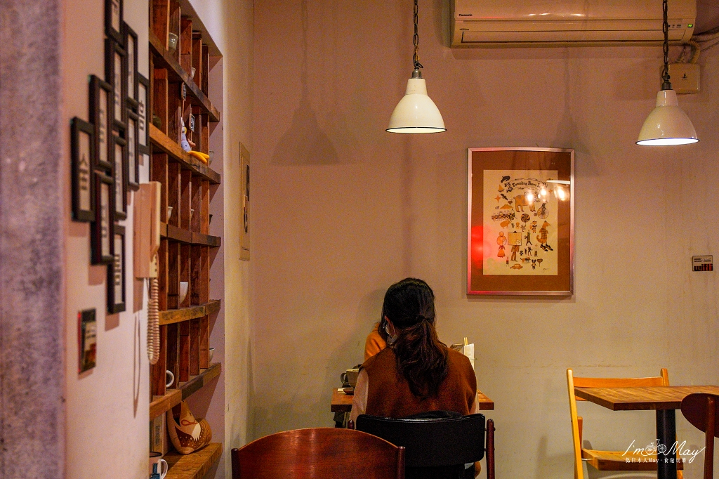 台北、大安 | 讓人有置身首爾街頭的錯覺,台北韓風咖啡店推薦「卡那達 (카페가나다)」| 烤牛排飯、辣豆腐鍋、紫薯拿鐵、台北不限時咖啡店 @偽日本人May.食遊玩樂