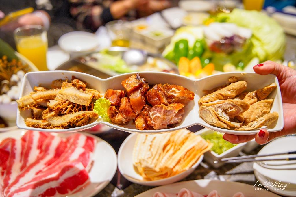 台北、大安 | 新鮮蔬食的精緻美味,天然食材火鍋店 「22:02 火鍋。樂活」| 微風店用餐記錄、聚餐推薦 @偽日本人May.食遊玩樂