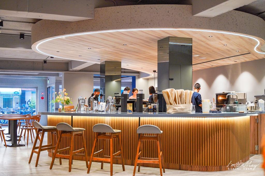 台北、松山   在尋常的日子裡,啜一杯不平凡的咖啡「THE NORMAL (敦北店)」  北歐風格設計咖啡店、不限時咖啡店 @偽日本人May.食遊玩樂