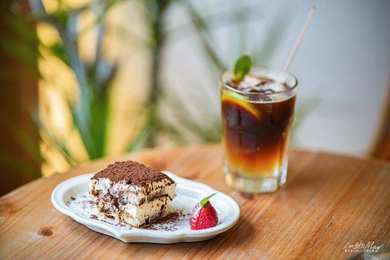 台北、三峽 | 以父之名的古董咖啡店「 QM159 清琳咖啡 」| 綠意植栽、雅致古董、原木打造滿溢自然氛圍的天地 @偽日本人May.食遊玩樂