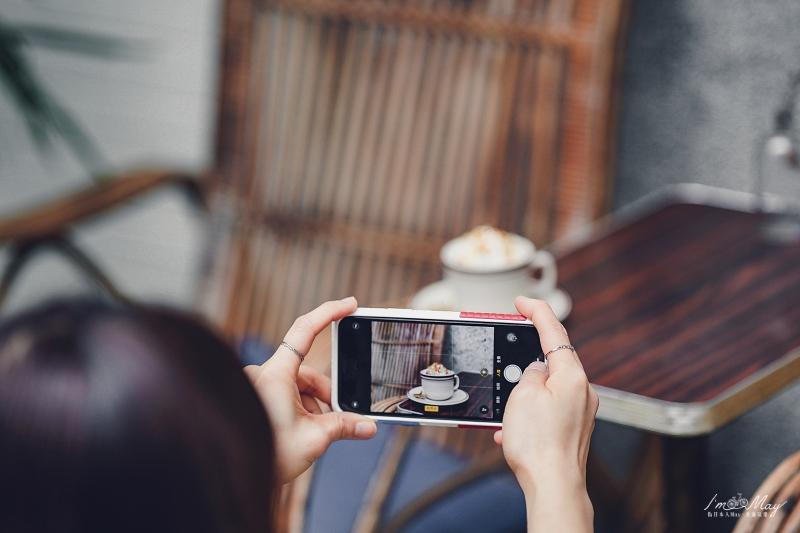 台北、信義 | 熱鬧街區裡的隱世角落、滿溢懷舊氛圍的老宅咖啡「本然咖啡 Nisarga Cafe」| 大人系布丁、捷運永春站、不限時咖啡店 @偽日本人May.食遊玩樂