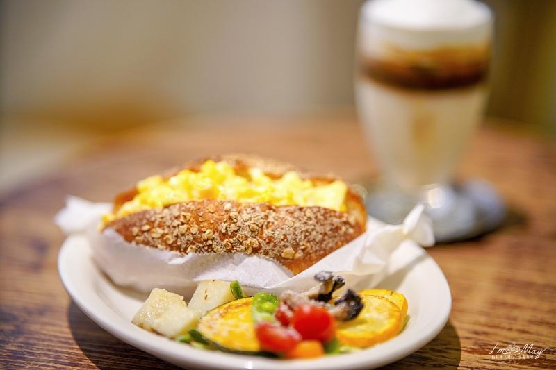 新竹咖啡廳推薦 | 隱藏巷弄裡的清新老宅咖啡店「 Hidden off 」| 沒預約不要來、無論是甜點麵包飲料鹹食都好好吃、新竹大遠百周邊 @偽日本人May.食遊玩樂