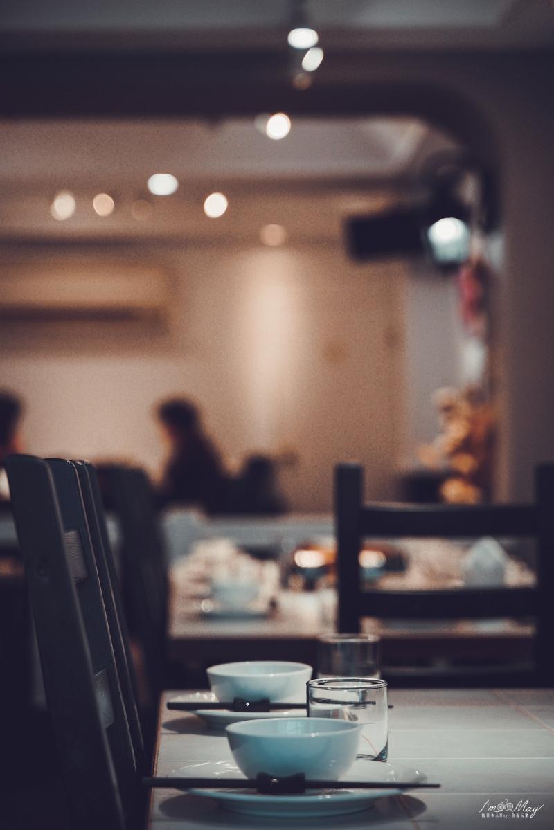馬祖、東引 | 八○年代裝潢風格、東引特色無菜單漁夫料理「長堤.荇菜廚房」| 進來,我煮東引給你吃 @偽日本人May.食遊玩樂
