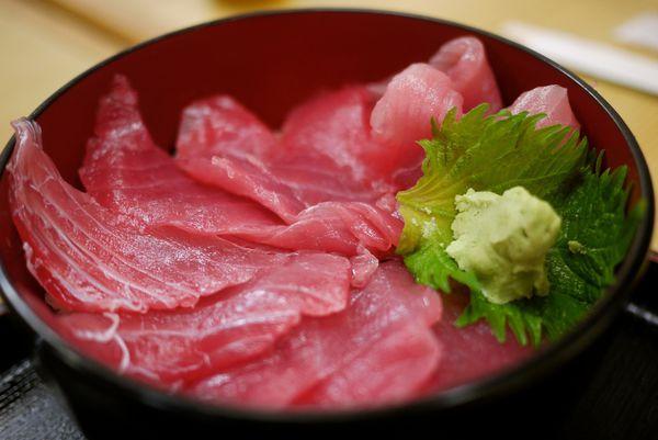 [沖繩] まぐろ鮪魚基地_大碗新鮮超划算的海鮮丼定食 @偽日本人May.食遊玩樂