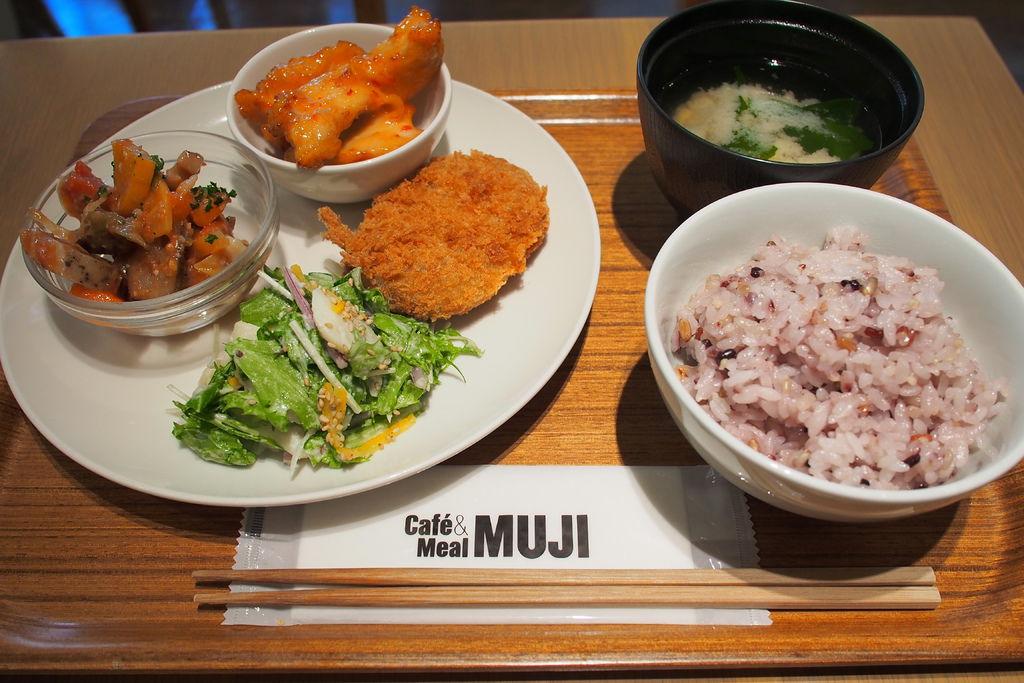 京.好食 l Cafe&Meal MUJI 京都。優質食材&在地美味~最時尚的自助餐!! @偽日本人May.食遊玩樂