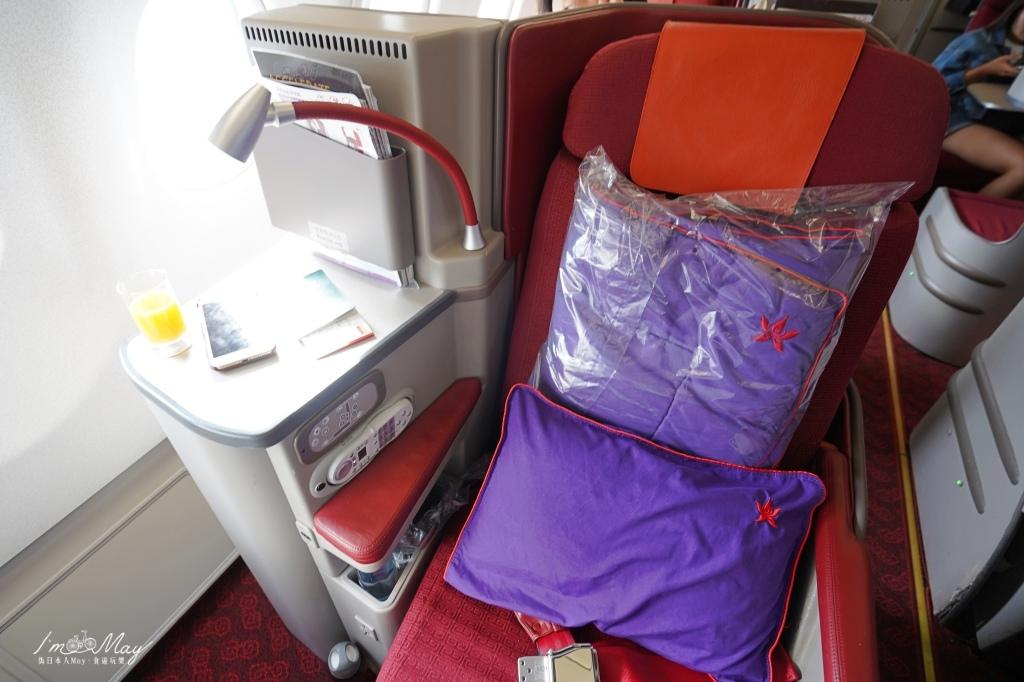 飛行記錄 | 香港航空 Hong Kong Airlines 台北TPE→香港HKG HX285商務艙飛行紀錄 (A330-300機型) @偽日本人May.食遊玩樂