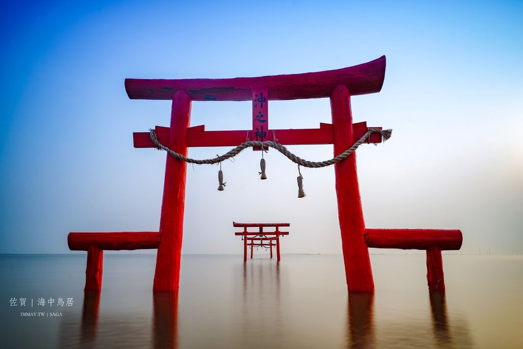 日本絕景攝影 | 飄浮在有明海的浪濤裡,神秘的夢幻海中鳥居 「大魚神社」| 佐賀景點、交通方式、潮汐時刻表、建議拍攝時間 @偽日本人May.食遊玩樂