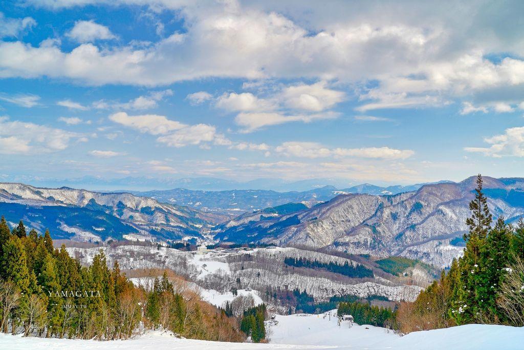山形行程提案 | 朝日自然觀雪樂園 (Asahi自然観),從初學者到高手都能盡興的雪道 | 滑雪場就有住宿,Ski in  Ski out 一泊二食住宿含滑雪只要9000日圓(起) | 滑雪場及租借配備費用、交通資訊整理 @偽日本人May.食遊玩樂