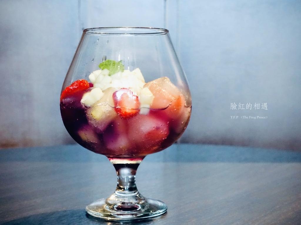 台南、美食 | 與甜點怦然心動的邂逅,就在臉紅的相遇T.F.P 《The Frog Prince》| 網美IG打卡花牆、和風午餐、夢幻甜點 @偽日本人May.食遊玩樂