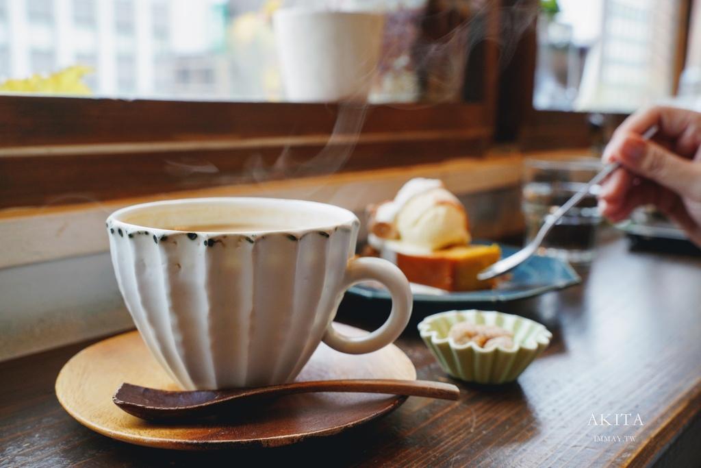 秋田 | 繁華街區裡的低調靜謐咖啡店 カフェ エピス (Cafe Epice)| 只能拍眼前的食物,就是要你享受單純的美好 @偽日本人May.食遊玩樂