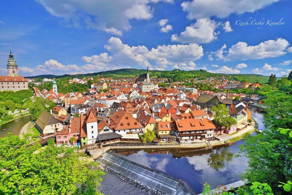 捷克、庫倫洛夫 | 跟著地圖走、漫步在童話故事小鎮Český Krumlov,帶你拍出風景明信片 (收錄八大經典攝影角度、附地圖座標連結) @偽日本人May.食遊玩樂