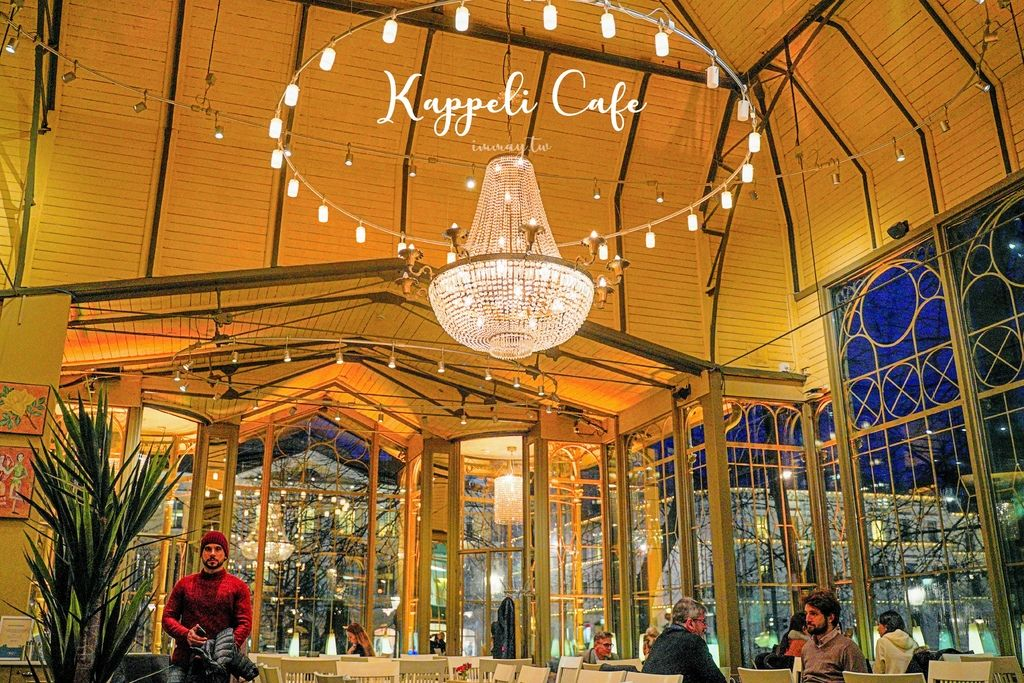 芬蘭、赫爾辛基 | 在絕美浪漫的百年玻璃屋餐廳「Kappeli」裡來一場難忘的邂逅 | 超值每日湯品喝到飽,近市集廣場、老農貿中心 @偽日本人May.食遊玩樂