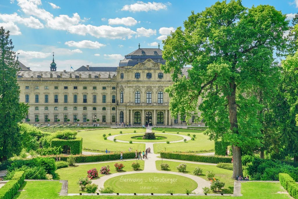 德國、烏茲堡 | 舉世聞名的巴洛克式建築「烏茲堡主教宮 Würzburger Residenz 」| 德國世界遺產、宮廷花園廣場、免門票參觀 @偽日本人May.食遊玩樂